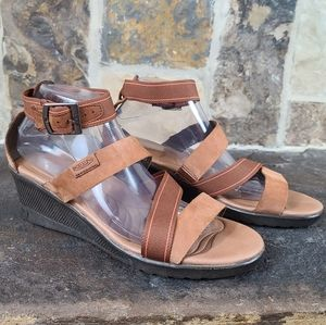 Keen 10.5 Leather Strappy Sandal Wedges